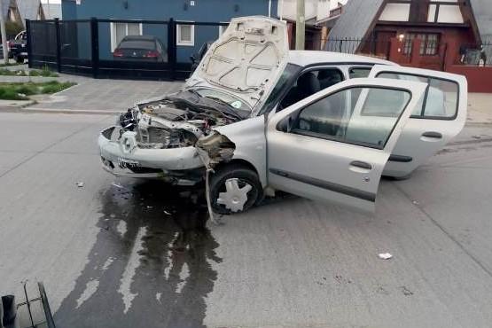 Mujer con lesiones graves en triple choque