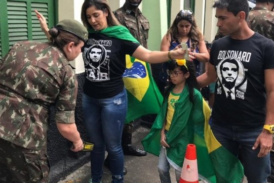 Abrieron las mesas para el balotaje entre Bolsonaro y Haddad