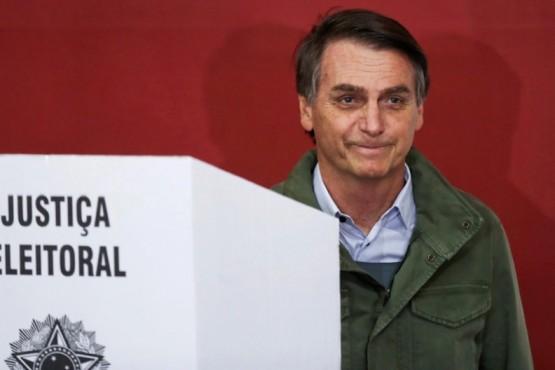 Llos primeros resultados dan ganador a Bolsonaro con el 55,7%