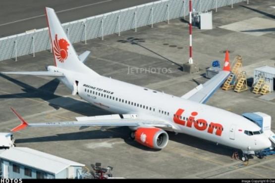 Un vuelo de la compañía Lion Air se estrelló en el mar con 189 personas a bordo