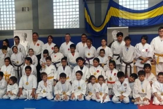 El karate tradicional tuvo su provincial.
