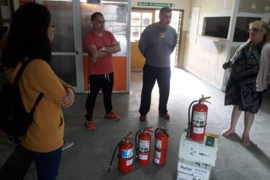 Tareas de Mantenimiento y limpieza en la Escuela Industrial N° 1