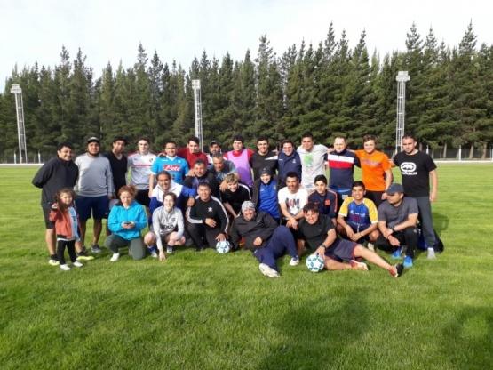 Gerlink y Campofilino brindaron clínica de fútbol