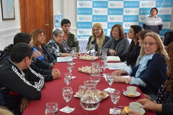 Entregan aportes a APPADi para proyectos de fortalecimiento institucional