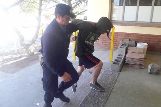 Dos mayores y dos menores detenidos por el robo a un local comercial