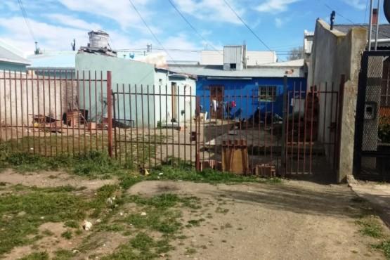 Una de las casas allanadas por el personal policial.