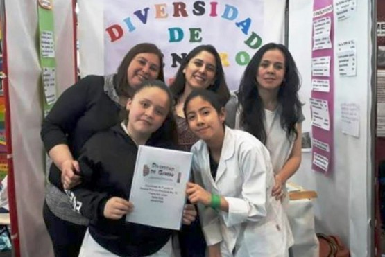 El equipo de la Primaria 75 de Puerto San Julián que presentó proyecto sobre Diversidad de Género.