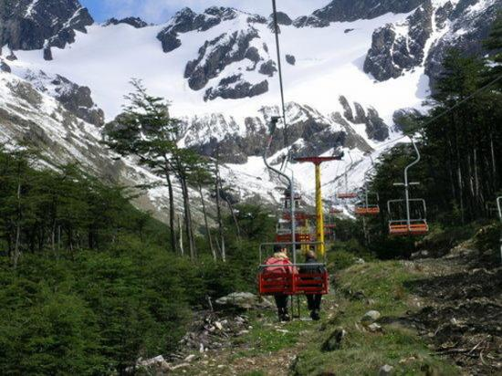 Lanzaron licitación para la concesión del Centro de Montaña Glaciar Martial