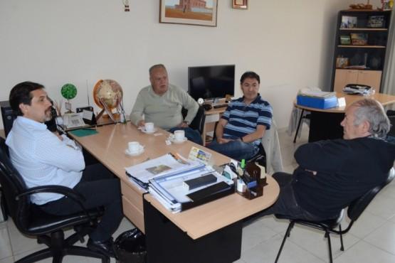 González analizó la actualidad con intendentes que lo antecedieron