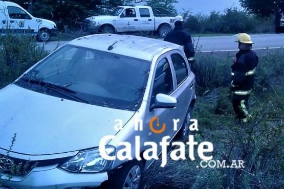 Colombianos chocaron con un árbol