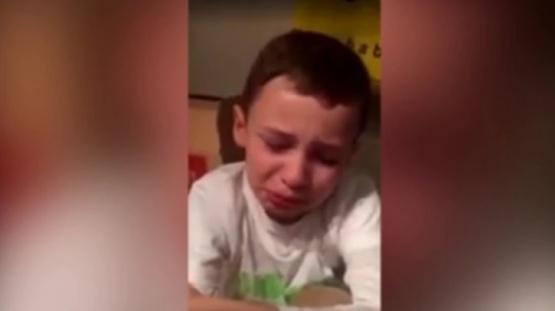 El niño contó su sufrimiento e intervinieron las autoridades.
