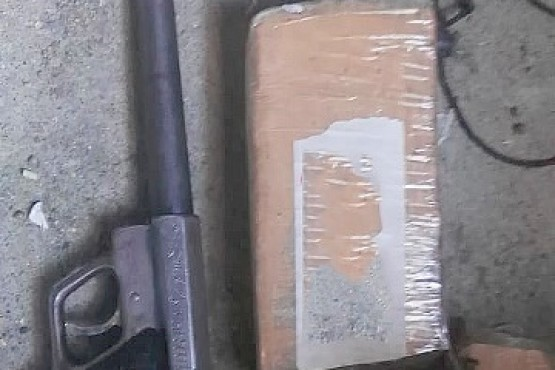 Secuestraron casi un kilo de marihuana y un arma de fuego