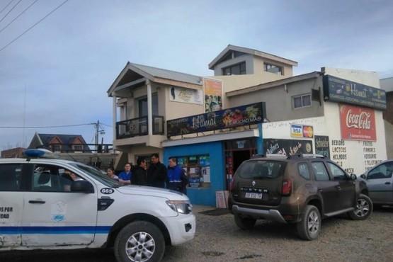Sujeto asaltó autoservicio y vivienda en el San Benito