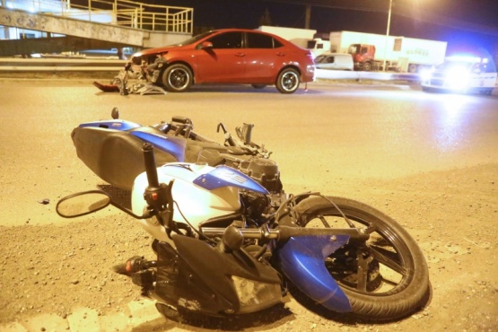 Un motociclista golpeado tras accidente en autovía