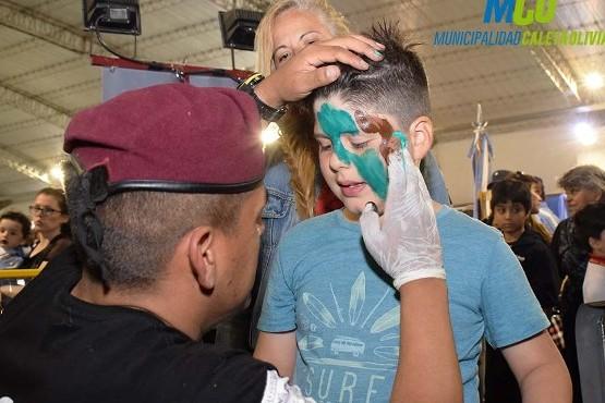 Exitosa concurrencia en el Paseo de la Policía de Santa Cruz