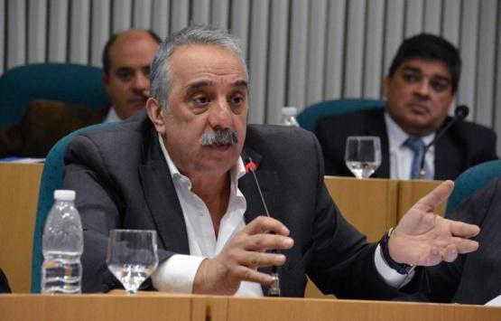 """Mazú tildó de """"pusilánime"""" a Costa por ausentarse en el Senado"""