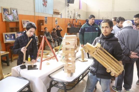 La Escuela Laboral Domingo Sabio presentó sus trabajos a la comunidad