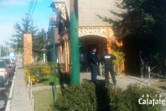 Otro boquete y asalto a una agencia de turismo