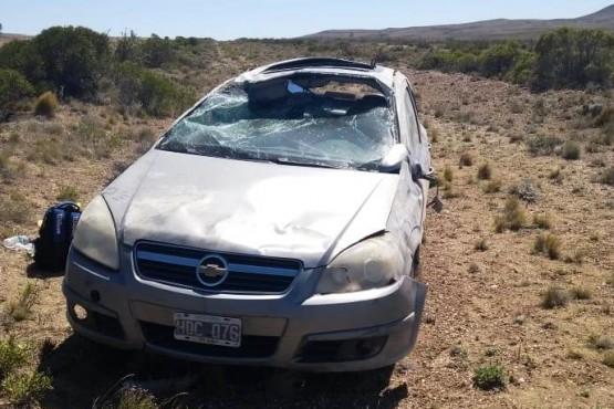 Dos jóvenes lesionados al volcar al norte de Puerto San Julián