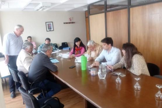 Despacho al proyecto que propone crear la Comisión Especial de Asuntos Municipales