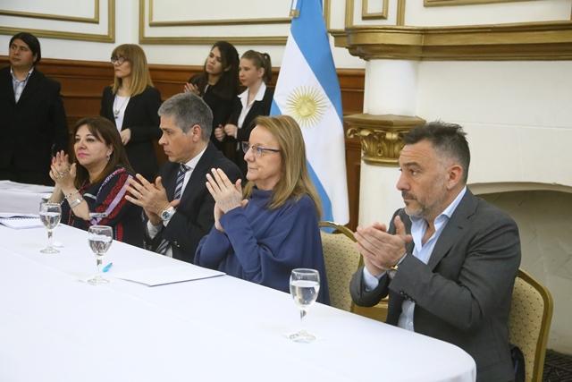 Leonardo Álvarez participó del acto en Casa de Gobierno. (C.G)
