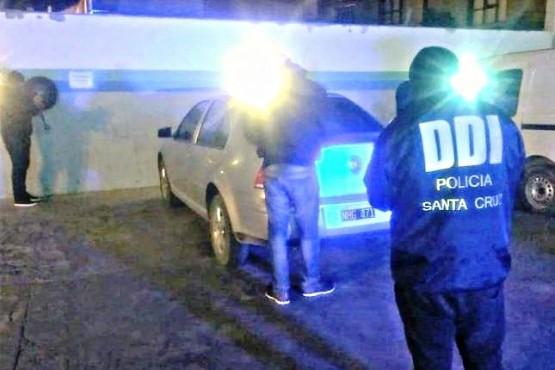 Jóvenes demorados con cocaína y uno era buscado por la Justicia