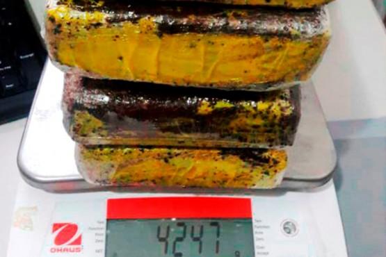 Dos mujeres traían más de cuatro kilos de cocaína a Río Gallegos