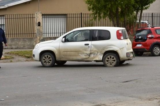 No habría respetado el paso y embistió otro vehículo