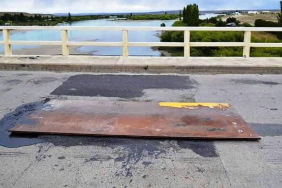 Concejales personificaron el reclamo por el puente sobre el río Santa Cruz