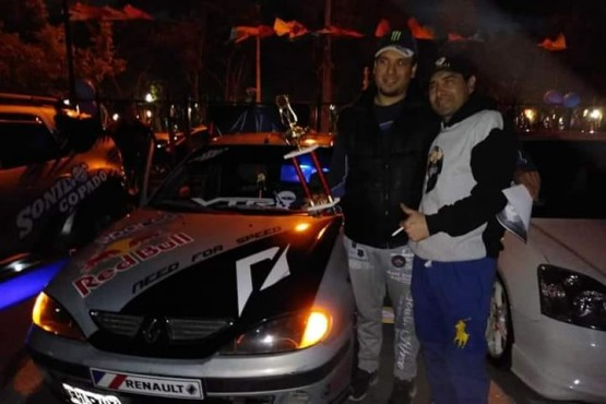 Expo nocturna solidaria