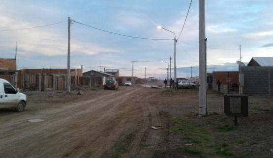 Vecinos del barrio Bicentenario 4 sin luz, gas ni agua