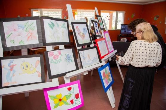 Se realizó la primera expo arte del Hogar de Ancianos