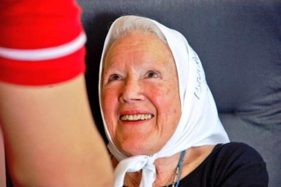 Nora Cortiñas dio una conferencia de prensa en la sede de Luz y Fuerza, y destacó el acompañamiento de las mujeres a los trabajadores mineros.