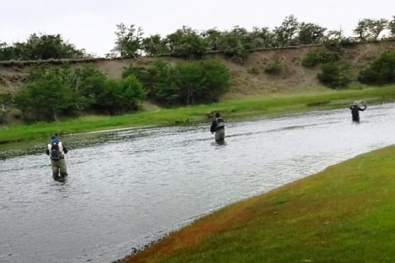 Los pescadores en acción.