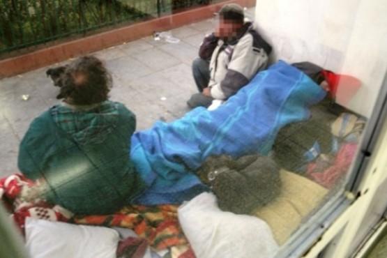 Dos detenidos por manosear a una joven de 18 años afuera del Hospital