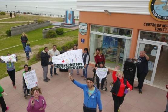 Caminata inclusiva en Puerto Santa Cruz