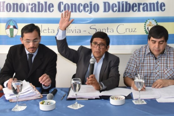 Aybar se aseguró cuarto mandato en la presidencia del Concejo de Caleta