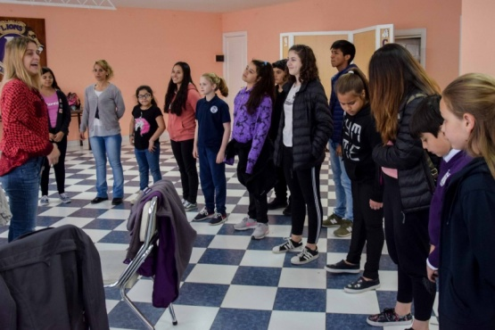 El Coro Municipal Infantil se presenta en el Rotary Club