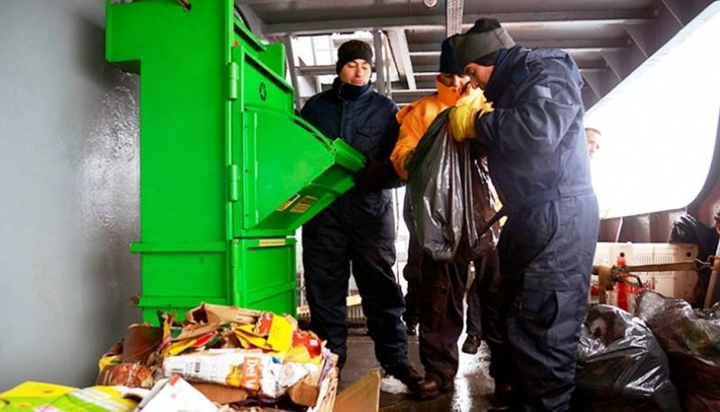 Bases argentinas en la Antártida realizan un exhaustivo trabajo