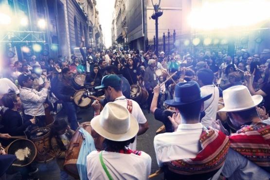 Miles de personas disfrutaron de la Noche de las Casas de Provincia