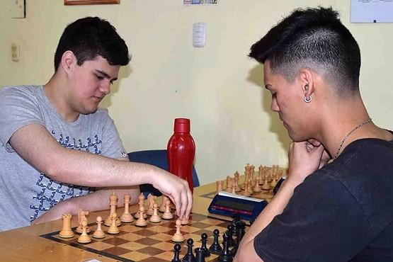 El ajedrez define sus campeones.