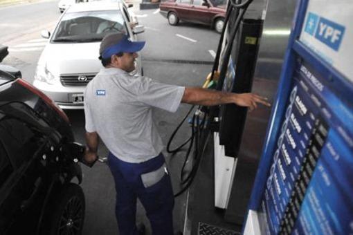 Esquel regalará nafta para los turistas chilenos