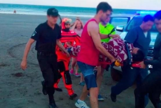 Emergencia en el mar: Prefectura rescató a dos kayakistas