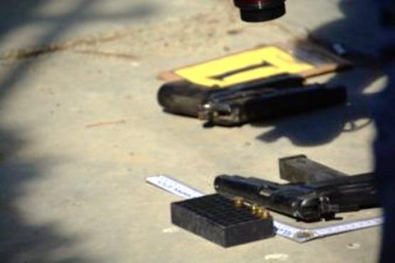 Dos heridos graves y cuatro detenidos tras intenso tiroteo
