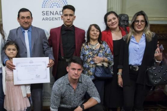 Deportista santacruceño reconocido en el Senado de la Nación