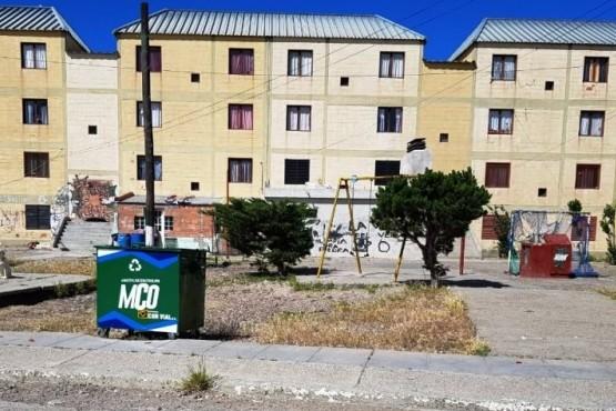Instalan contenedores de residuos domiciliarios