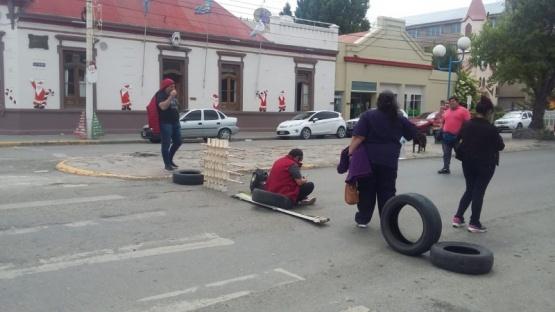 Facilitadoras reclamaron deuda de cuatro meses al Municipio