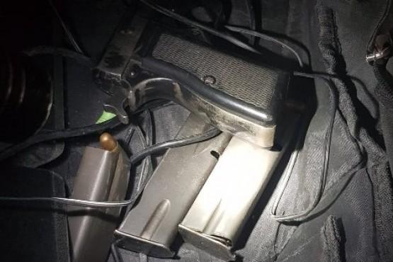 Secuestran armas, municiones y droga en un allanamiento