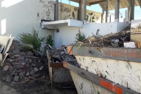 Municipio multó a una transportista por acumular residuos en la vía pública