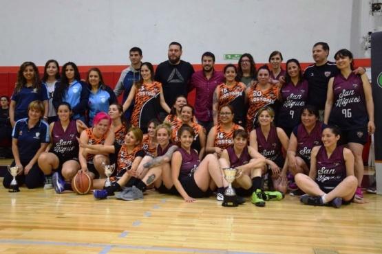 San Miguel campeón en Maxi femenino